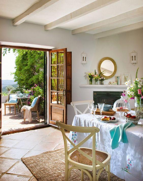 Bons momentos nas alturas. Veja: http://www.casadevalentina.com.br/blog/detalhes/bons-momentos-nas-alturas-3082 #decor #decoracao #interior #design #casa #home #house #idea #ideia #detalhes #details #style #estilo #casadevalentina #diningroom #saladejantar
