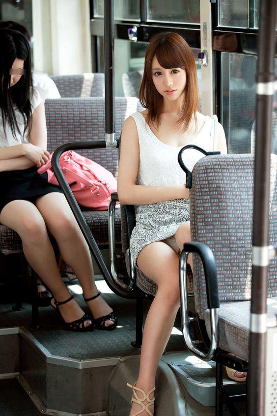 ▽電車での対面パンチラ▼22両目 [無断転載禁止]©bbspink.comYouTube動画>2本 ->画像>332枚