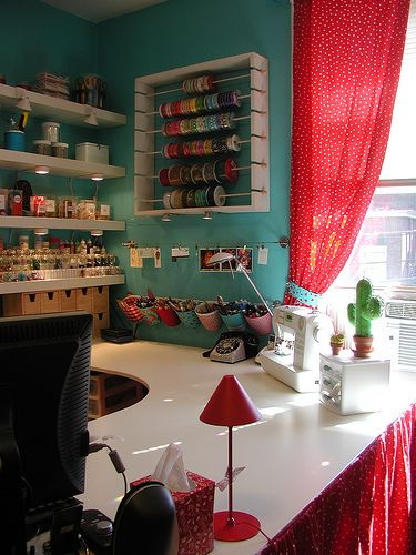 Finding myself obsessed with creative craft space ideas.