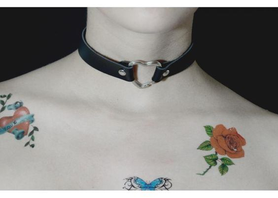 https://www.kichink.com/buy/712518/lass/heart-choker