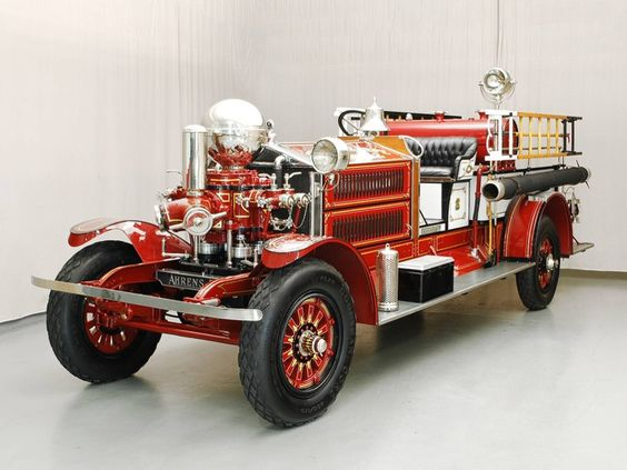 1925 Ahrens-Fox Fire Truck.......beautiful...