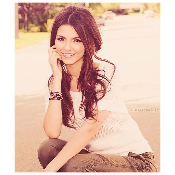 Victoria Justice. ❤ liked on Polyvore featuring victoria justice, people, models, pictures and celebrities