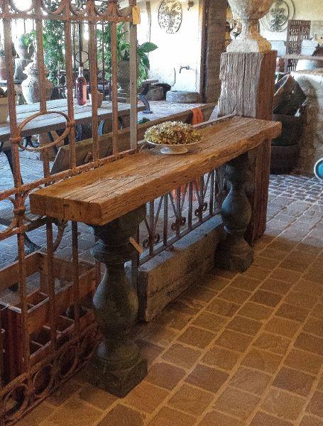 houten sidetable met houten kolommen - vieillefrancevieillefrance