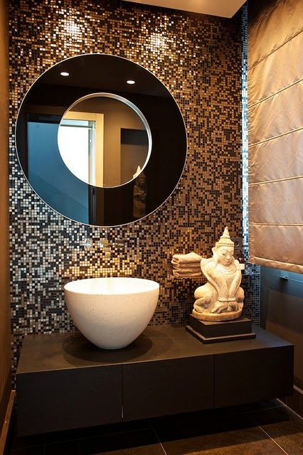 Guarda Vertical Baño:Powder Room Mirror with Mosaic Tile