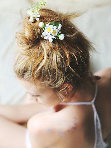 pretty hair pieces http://rstyle.me/n/jpp9hr9te