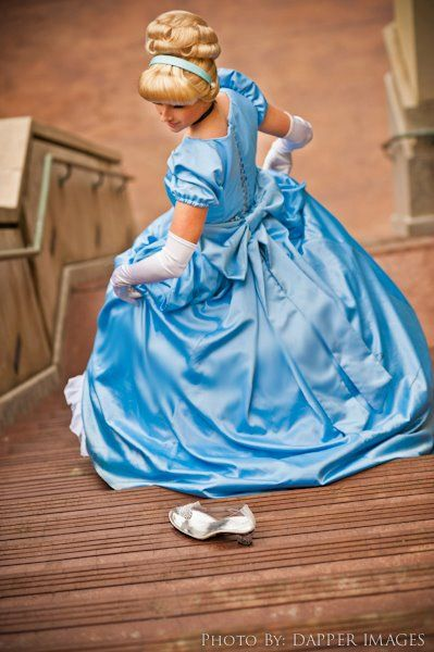 Cinderella Leaving The Ball And Loses Her Slipper