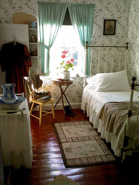 See Anne Shirley's room (Anne of Green Gables)