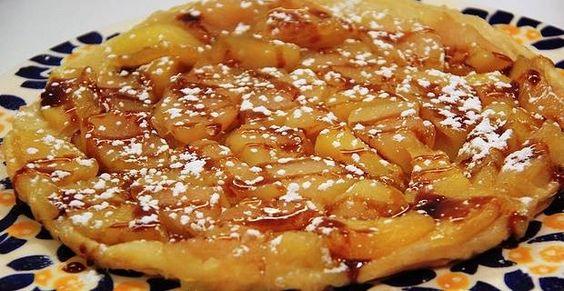la tarte tatin inventée par 2 soeurs est une tarte aux pommes renversée et caramelisée