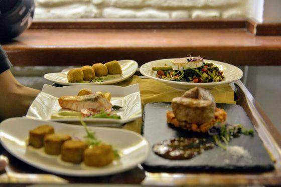 Olvídate De Dietas Y De Operaciones Bikini No Es El Momento De Ponernos Delicados Estamos En Sevilla En La Capital De Bar De Tapas Gastronomia Comida étnica