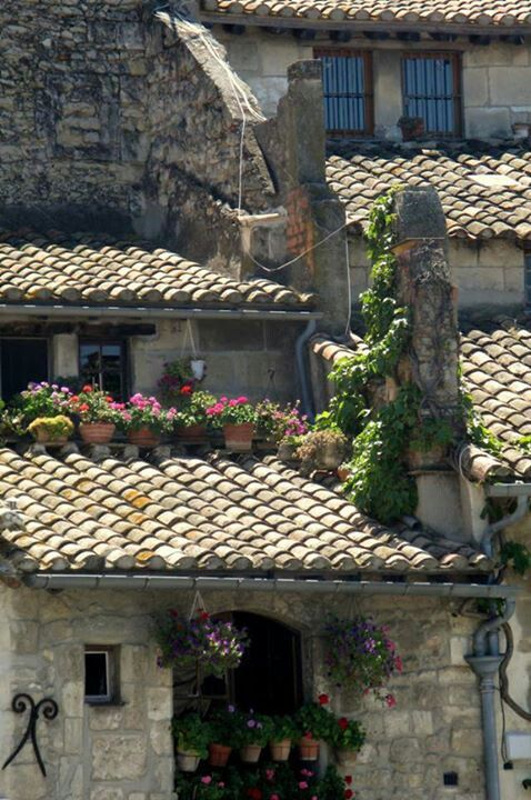 Provence roofs