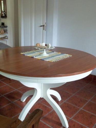 Mesa redonda extensible de madera masisa de cedro for Mesa redonda extensible