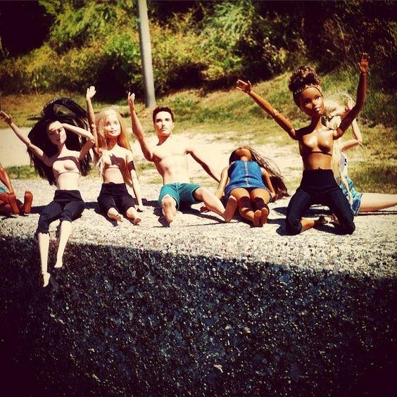 PLEASE HELP US !!!!!!!! #lost#danger#iledeserte#fiction#tvshow#canada#matthewfox#enangelinelilly#abcstudios#badrobotproduction#hawaï#jack#kate#sawyer#desmond#hurley#vol815#oceanicairlines#sidney#losangeles# (à Le Triangle Des Bermudes)