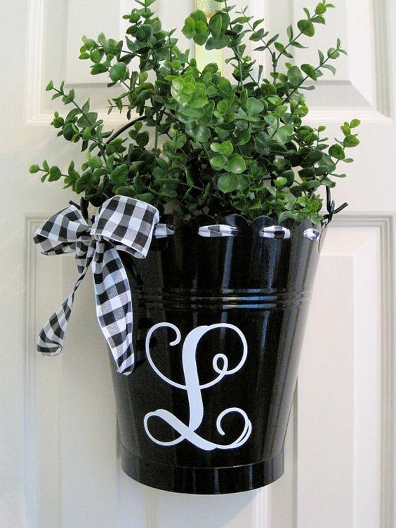 bucket wreath