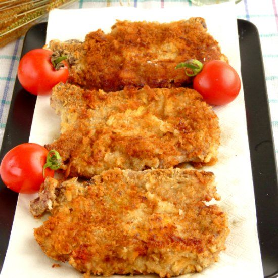 Using Japanese bread flakes to achieve this crispy breading but tender and juicy chops.