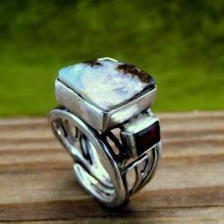 Pierścionek z opalem i granatami - Pierścionki - Biżuteria