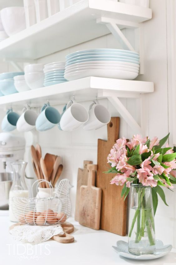 Spring Home Tour by TIDBITS. Simple touches of Spring in the Kitchen.: