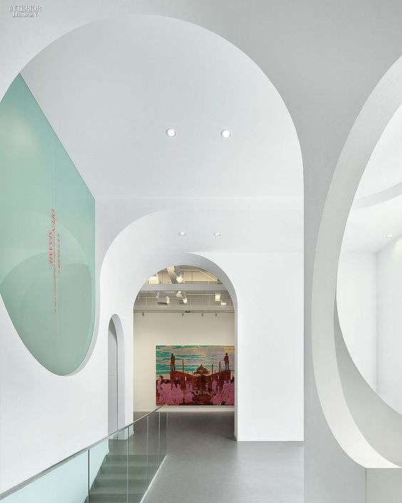 In Hongkun Museum of Fine Arts, back-painted glass fills a few apertures. Photography by Xia Zhi. #interiordesign #interiordesignmagazine #design #museum