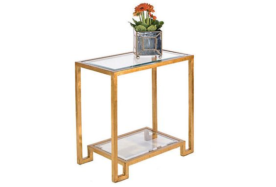 Super into tables like this after seeing the gorgeous gold and mirror table at Blushington. Sadly, such wares do not work in my apartment's decorating scheme. *tear