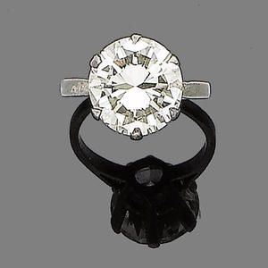 The brilliant-cut diamond within a six-claw setting, diamond approx. 4.30ct, ring size H from Bonhams Inventory of Images.: Ring Sizes, Brilliant Cut, 30Ct Ring, Diamond Rings, Setting Diamond, Cut Diamond, Bonhams Inventory, Diamond Approx