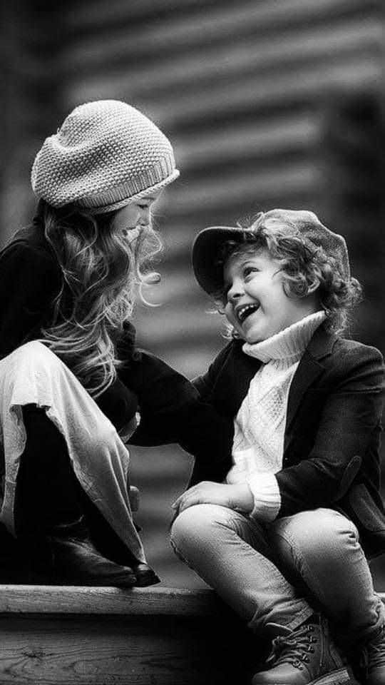 Noir Et Blanc In 2020 Cute Baby Couple Photographing Kids Cute Baby Girl Pictures