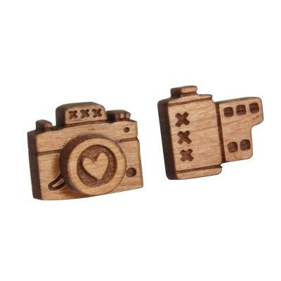 These wooden camera earrings are so cute.