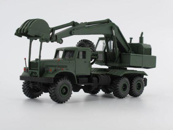 KrAZ 255B fcl.Blr./ Löffelbagger