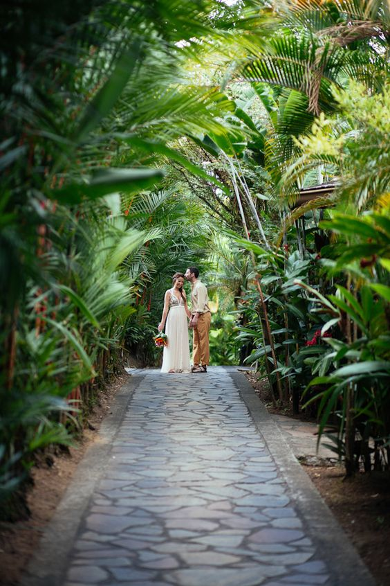 Tropical Elopement in Costa Rica with Photos by Costa Vida Photography – Lauren and Josh