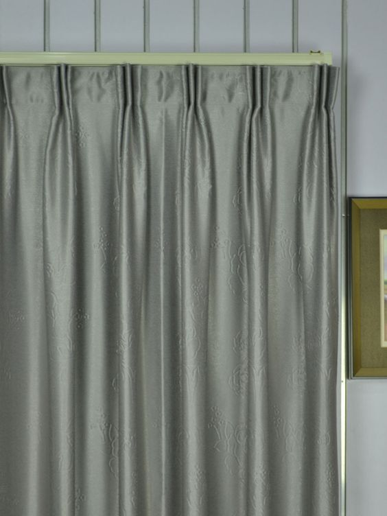 Extra Wide Swan Medium Scale Floral Versatile Pleat Curtain