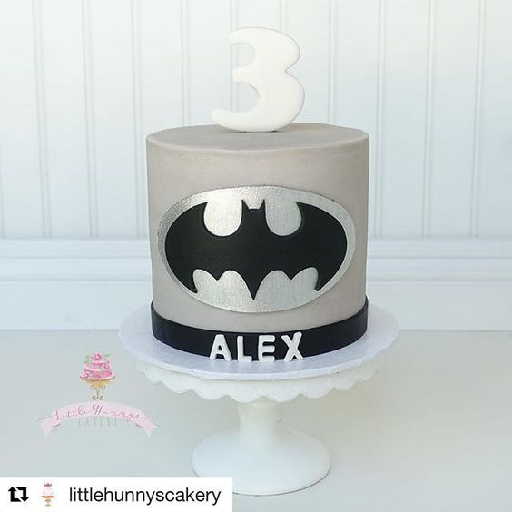 #Repost @littlehunnyscakery ・・・ Simple and cute buttercream Batman cake!  Used 3 cutter and batman cutter from @jb_cookie_cutters  Used letter mold from @christinesmolds