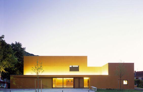 Bernard Quirot architecte + associés · Groupe scolaire et salle polyvalente à Beure · Divisare