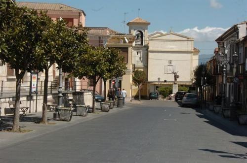 Calabria: #Ndrangheta: #storia del #clan Bonavota fra faide alleanze ed affari milionari (link: http://ift.tt/2heWBLd )