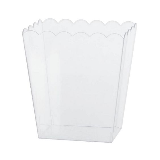 Medium Clear Plastic Scalloped Container 6in