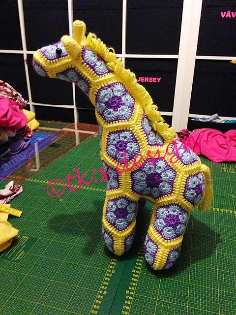 Jedi the Curious Giraffe African Flower Crochet Pattern