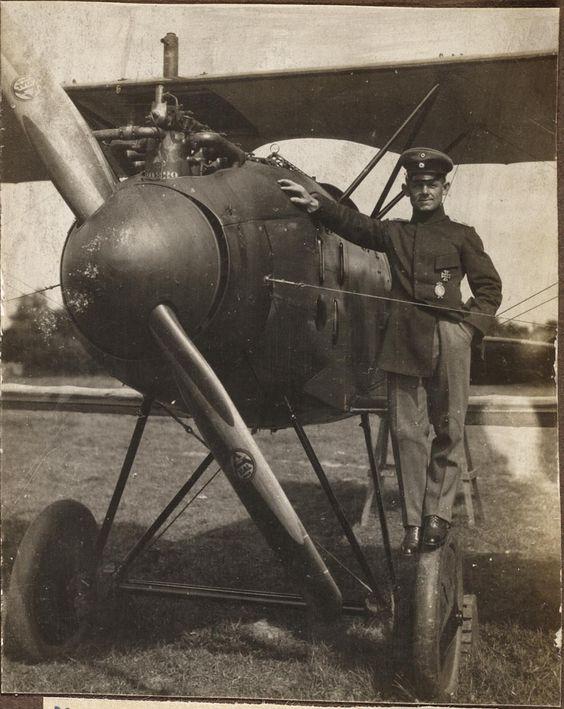 Max von Müller, a locksmith from Rottenburg, Bavaria's best fighter pilot by his Albotros biplane.