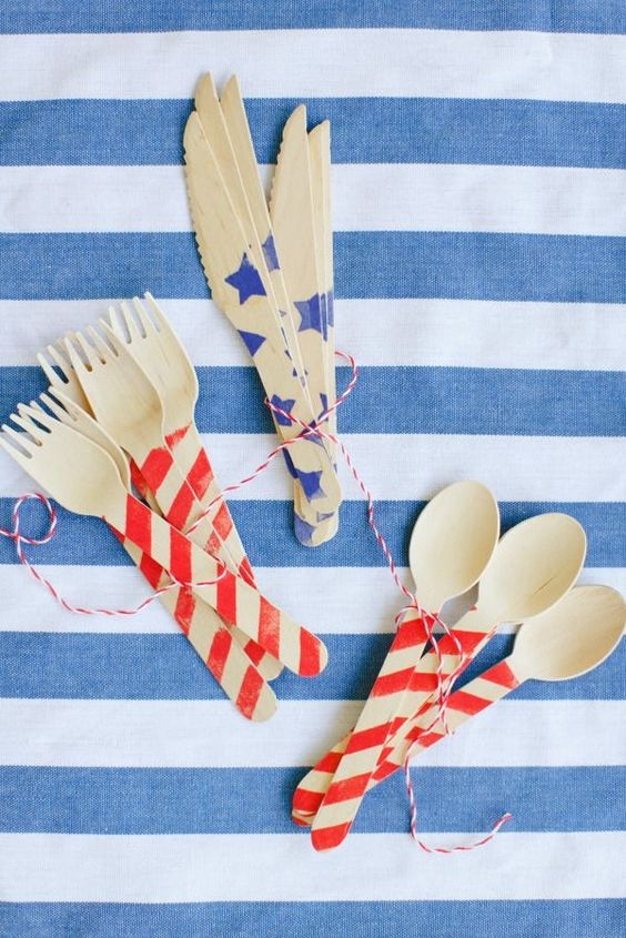 Patriotic decor and party ideas: handpainted wood flatware with red, white, and blue. #partyideas #patriotic #flatware #memorialday