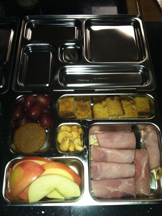 This was Alonzo's 1st Planet Box lunch