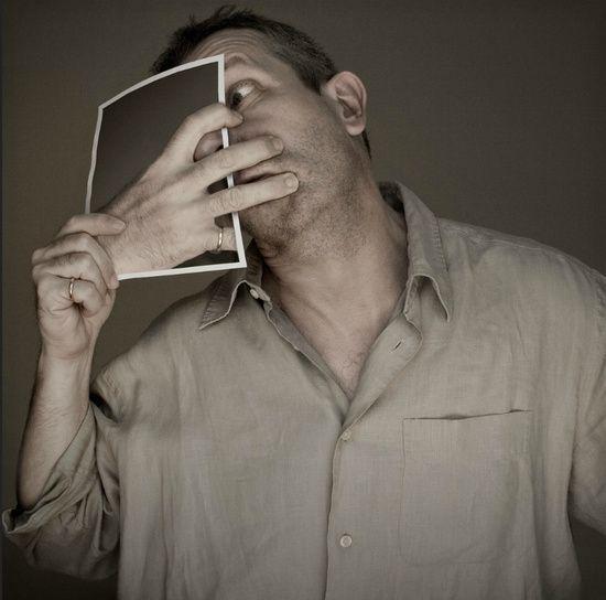Photographer: Pierre Beteille (Funny Self-portraits). HQ image: http://www.facebook.com/media/set/?set=a.549129551782845.139468.518805924815208