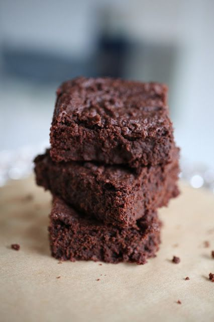 The Gluten Free Foodie's Chocolate Brownies via The Curated House