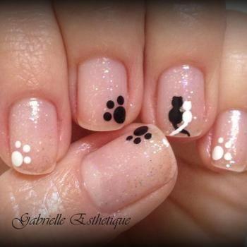 Petit Nail Art tres facile sur ongles tres court...Petits chats