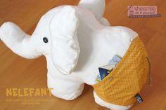 Elefant - Nelefant (Eine Nähanleitung samt Schnittmuster von shesmile) Ein großes Kuschelkissen-Stofftier für kleiner Tasche in der Badehose.