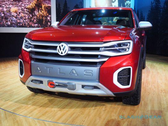 Vw Atlas Tanoak First Look Volkswagen Build This Pickup Slashgear Volkswagen Volkswagen Amarok Volkswagen Vw Amarok Vw Crafter
