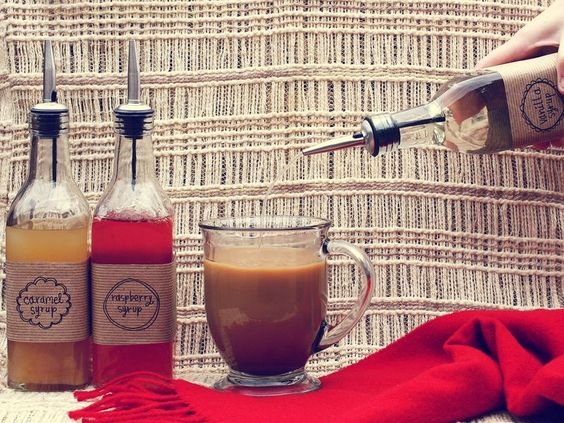 Home-made coffee syrups. Cute DIY gifts for coffee lovers