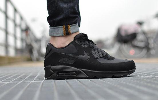 look Nike Air Max 1 Essential Jewel Triple Black Nike air  Nike air