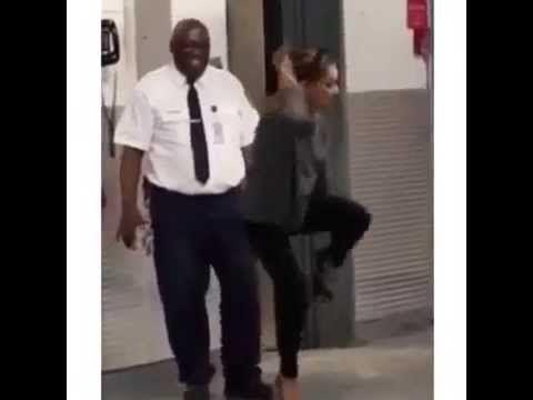 shayla dance devant l'agent de securitée