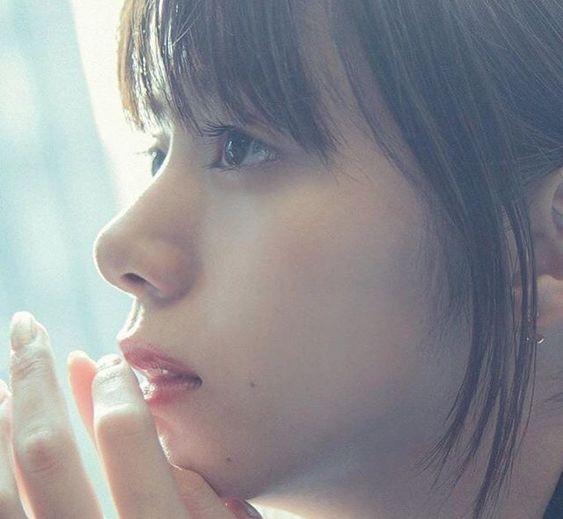 お顔アップの池田エライザ