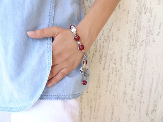 Red & White Bracelet,  Red White Glass Beads Bracelet , Feminine, Handmade, OOAK, Christmas,