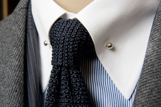 knitted tie x collar bar