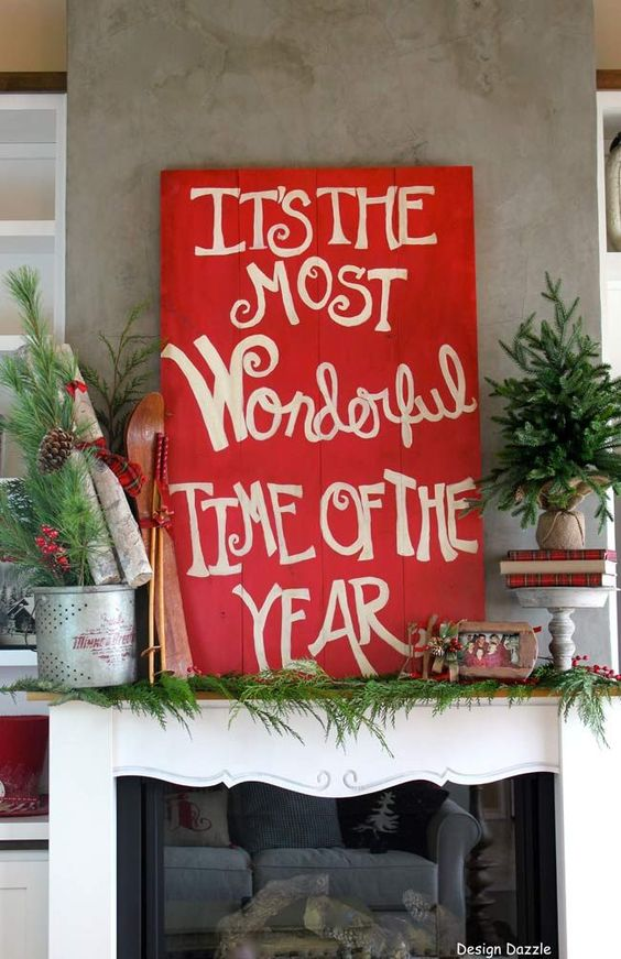 Christmas Home Tour: It's the Most Wonderful Time of The Year. Sharing inexpensive decorating tips for Christmas. Decorating and design by Toni Roberts - Design Dazzle: