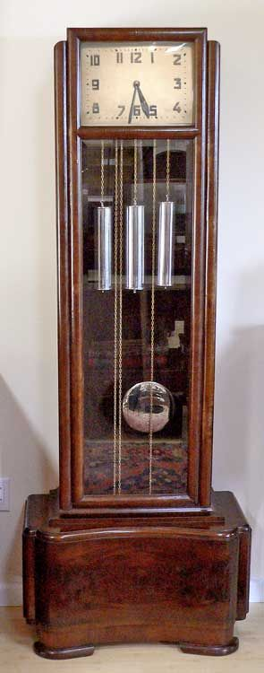 French or german Art Deco: Grandfather's Clock. Mahogany veneer, beveled glass. 1920's