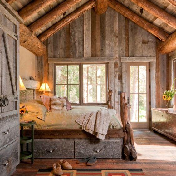 Rustikale Kabine Master-Schlafzimmer